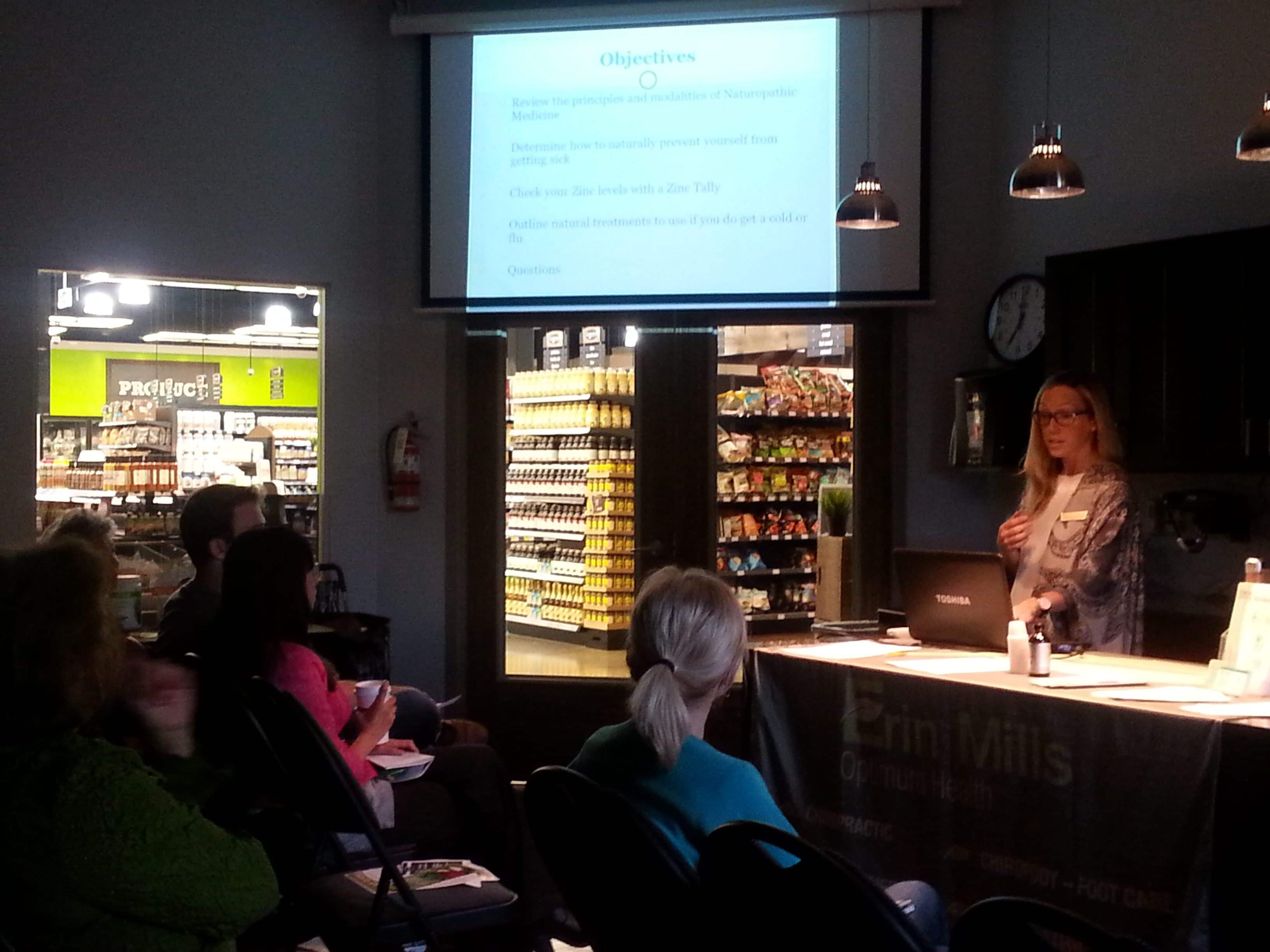 Dr. Aisling Lanigan presenting at Goodness Me! Mississauga on preventing colds and flus